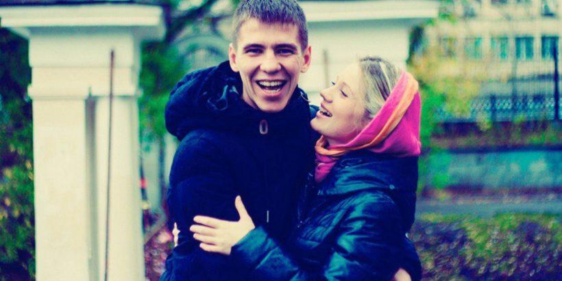 kreshhenie v ekaterinburge 1 820x410 - В Екатеринбурге крестилась молодая женатая пара